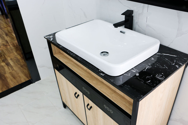 汉逊集成浴室柜电热水器,这是空间设计的艺术
