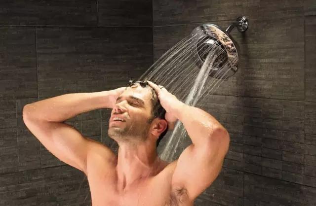 """夏天你真的会使用热水器吗?当心""""沐浴窒息"""""""